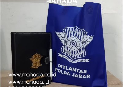 Pusat Souvenir New Normal Paket Seminar Kit Tas Promosi Gift Set Promosi Sablon Print Custom Packaging Logo - Mahada Indonesia